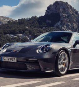 Компания Porsche представила Touring-версию экстремального суперкара 911 GT3